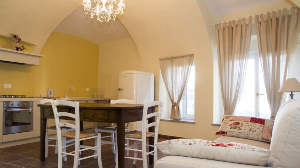 guest-house-acini-e-rose-montalenghe-golden-grapes-6