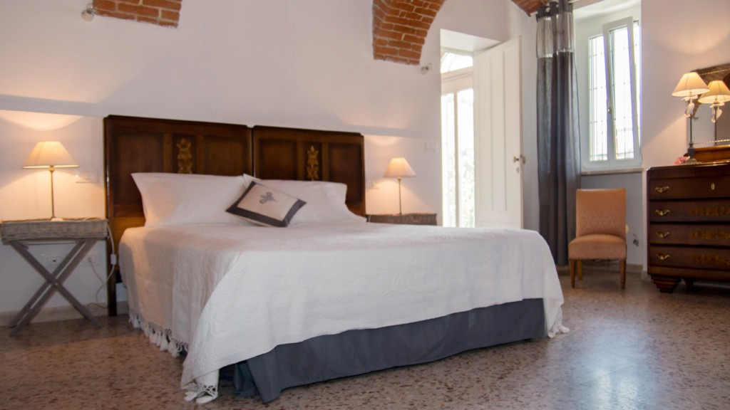 guest-house-acini-e-rose-montalenghe-ancient-roses-3
