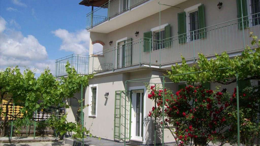 guest-house-acini-e-rose-montalenghe-external-2